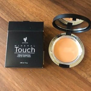 Mineral Touch cream foundation